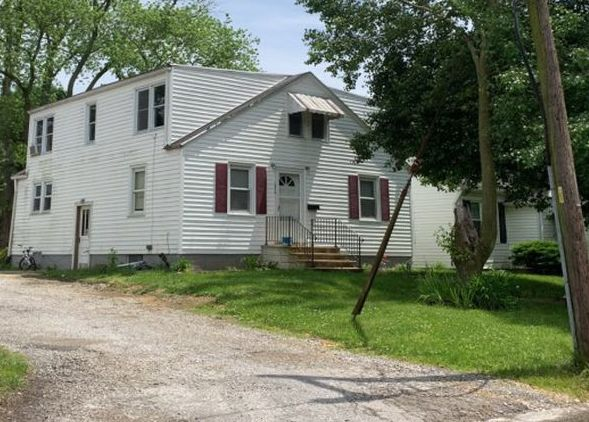 Property in Highland - IL