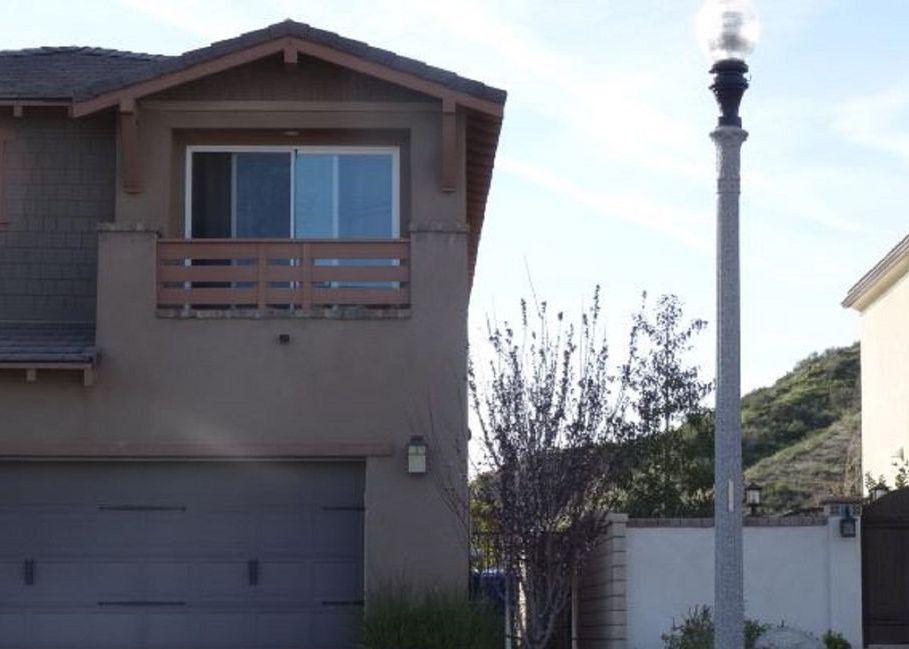Property in Valencia - CA